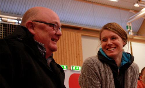 Leif Gustafsson och Emma Green-Tregaro verkar ha det trevligt ihop. Det är väl Leif somberättar fräckisar kan man misstänka....