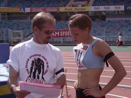 Pekka och Hanna-Mia på Ullevi 1999, några dagar efter Viljos bortgång