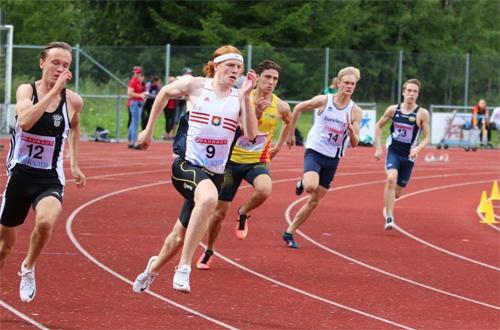Alex Andreasson öppnade innesäsongen med 7.17 på 60 meter.