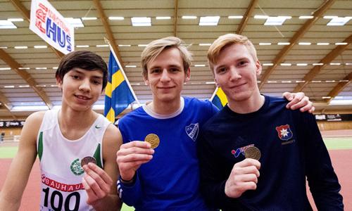 Med ett heroiskt 800m-lopp tog sig Felix upp på prispallen
